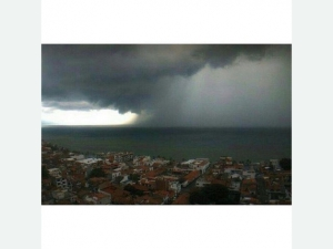 @Moosejawmuray_Peurto_Vallata_ahead_of_Hurricane_Patricia (1)